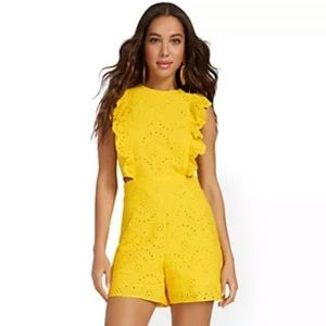 HPx2🎉 NWT Yellow New York & Co. Romper